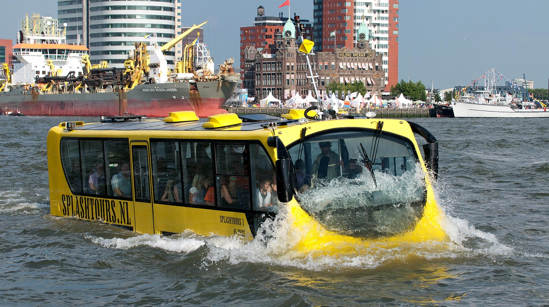 Splashtours - bus in het water